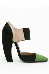 Prada_curved_heel